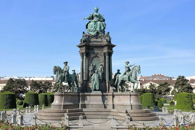 Ausztria Bécs Maria Theresien Denkmal1